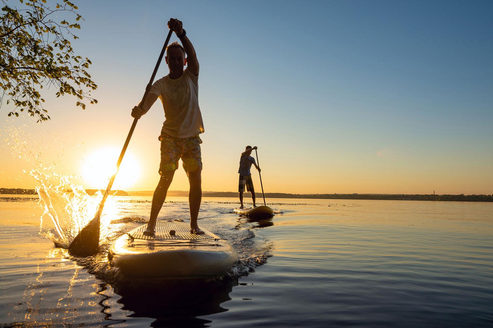 Stand-Up-Paddling - Ganzkoerpertraining auf dem Wasser